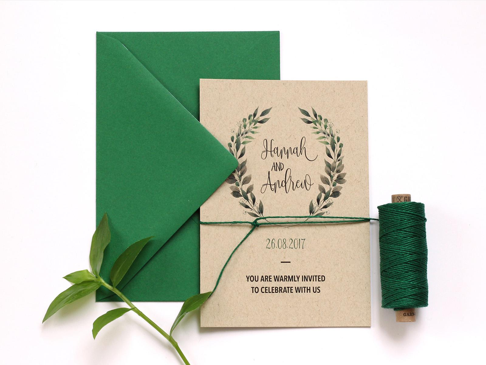 Hochzeitseinladung auf Kraftpapier mit dem Farbset Grün
