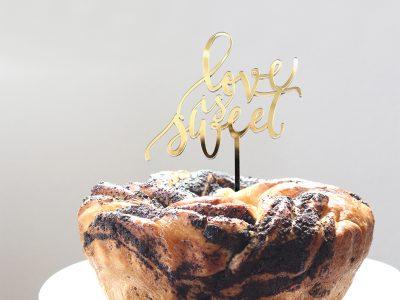 Cake Topper LOVE IS SWEET